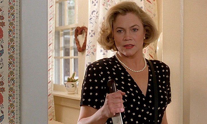 Kathleen Turner in Serial Mom