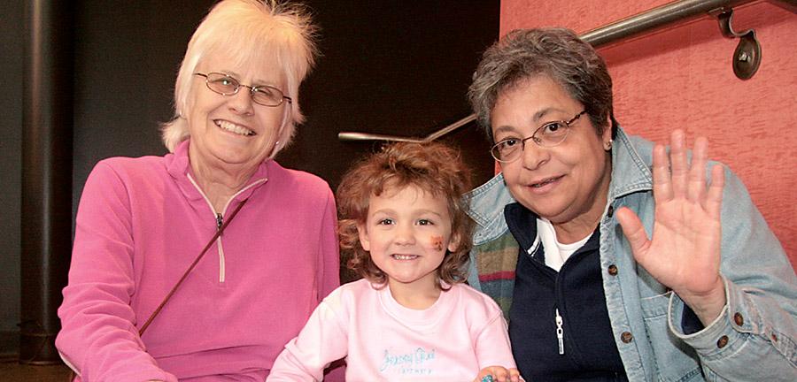 Sue Goudy, Justina Goudy, Marta Ortiz
