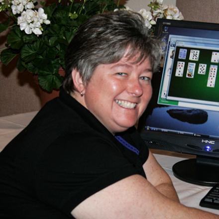 Sharon Messina (2008),