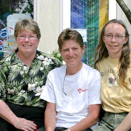 Fay Jacobs, Kathy Davison, Peg Fuller, Kathy Weir, Lori Kline (2004),